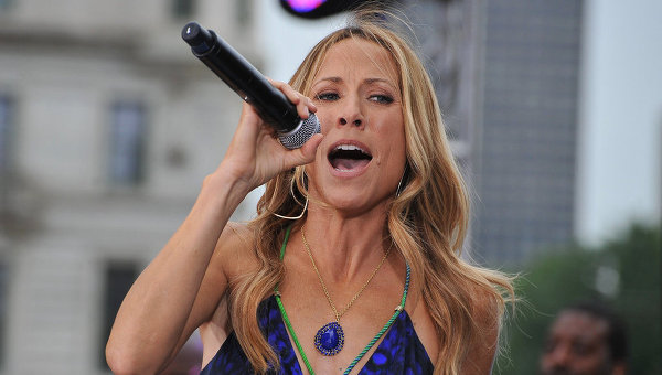 Sheryl crow reveals benign brain tumor: 'i don't.