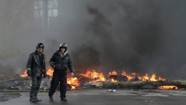 На месте спецоперации в городе Славянске Донецкой области, 13 апреля 2014.
