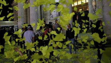 Мексиканцы проводили писателя Маркеса в последний путь тысячами бумажных бабочек