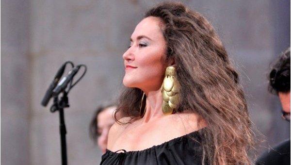 Лучшая барочная певица Франции Стефани д'Устрак