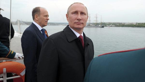Владимир Путин принял участие в торжественных мероприятиях, посвященных 69-й годовщине Победы в ВОВ и 70-летию освобождения Севастополя. Архивное фото