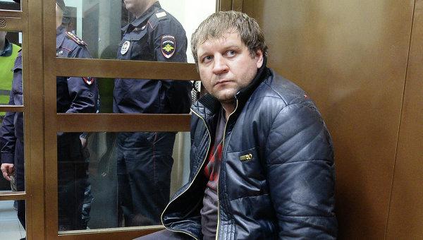 Известный боец смешанных единоборств Александр Емельяненко в Симновском суде Москвы