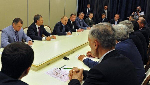 В.Путин встретился с представителями крымских татар