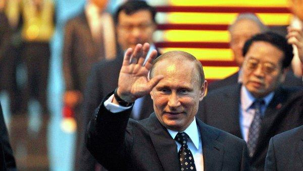 Президент России Владимир Путин в китайском аэропорту во время визита в КНР. Архивное фото
