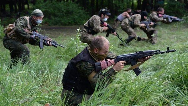 Ополченцы на востоке Украины. Архивное фото