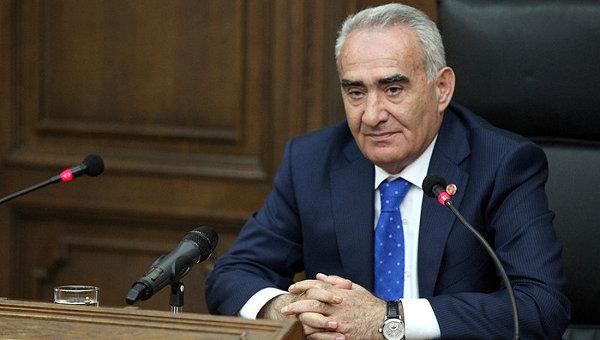 Галуст Саакян призывает оппозицию и общество поддержать премьера Карена Карапетяна