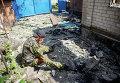 Ополченец в своем доме в Семеновке, разрушенном в результате артобстрела