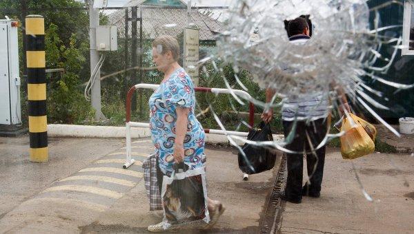 Пункт пропуска Изварино в Луганской области. Архивное фото