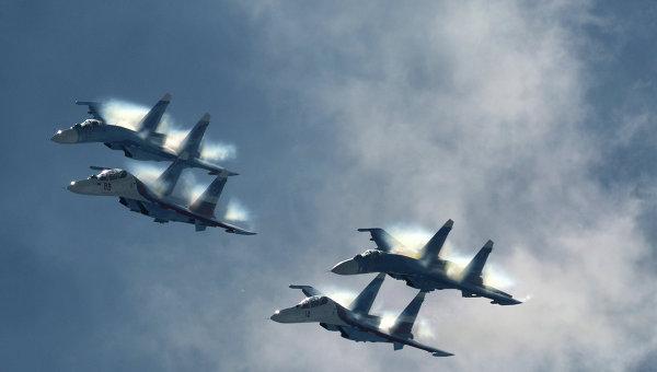 Истребители Су-27 пилотажной группы Соколы России. Архивное фото