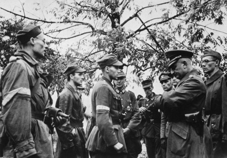 Переговоры между представителями Армии Крайовой и немецких оккупационных войск