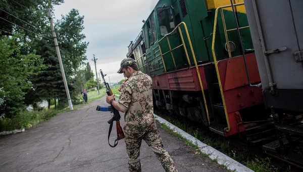 Поезд с телами пассажиров Boeing отправился из Тореза в Иловайск