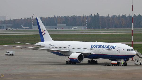 Боинг 777-2Q8ER авиакомпании Оренбургские авиалинии в московском аэропорту Шереметьево. Архивное фото
