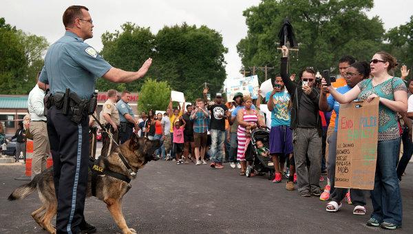 Акция протеста в городе Фергюсон, США
