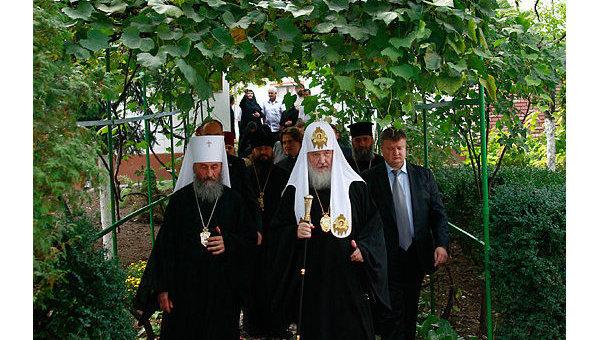 Митрополит Киевский  Онуфрий и патриарх Московский и всея Руси Кирилл