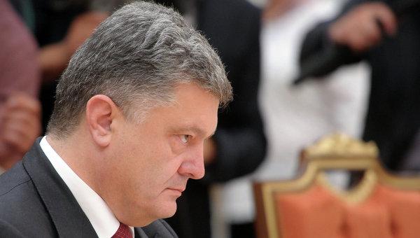 Президент Украины Петр Порошенко во время встречи в Минске