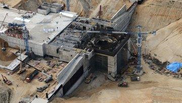 Вид с борта вертолета на строительную площадку космодрома Восточный , архивное фото