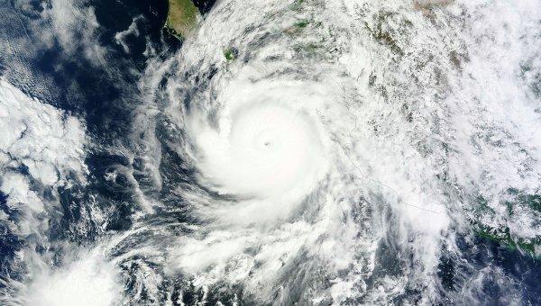 Ураган Одиль близ побережья Мексики