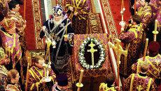 Патриарх Кирилл во время службы в праздник Воздвижения Креста Господня. Архивное фото