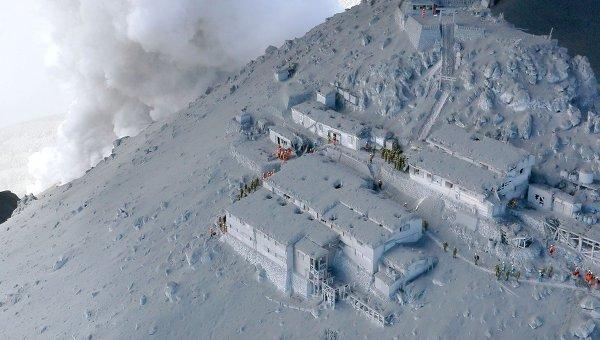 Извержение вулкана Онтакэ в Японии. Архивное фото
