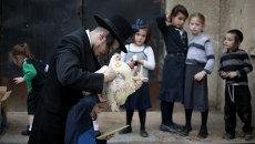 Ритуал с петухом в праздник Йом Кипур (День искупления)