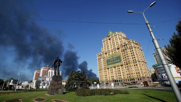 Дым со стороны аэропорта Донецка