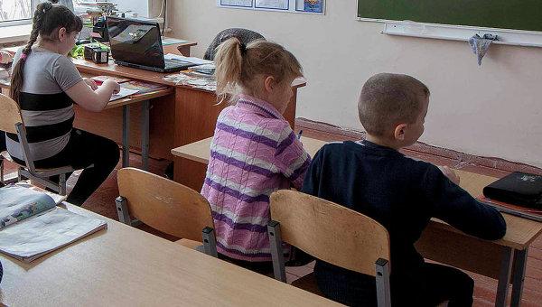 ВМинобрнаукиРФ исключили необоснованное снижение зарплат учителям