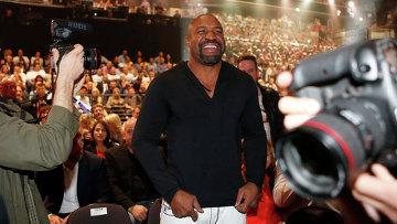 Американский боксер Шэннон Бриггс. Архивное фото