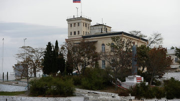 Севастопольская бухта и обелиск в честь эсминца Свободный, Архивное фото