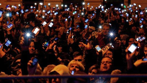 Массовая акция протеста против налога на интернет в Венгрии