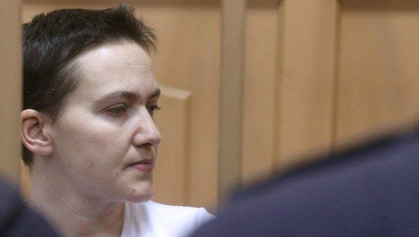 Украинская летчица Надежда Савченко во время заседания в Басманном суде Москвы. Архивное фото