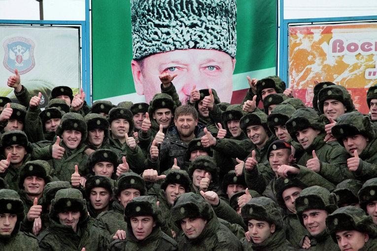 Глава Чеченской Республики Рамзан Кадыров с призывниками в Грозном, 17 ноября 2014