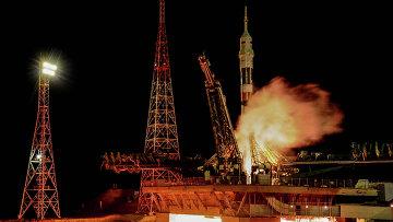 Старт ракеты-носителя Союз-ФГ с ТПК Союз ТМА-15М на космодроме Байконур. Архивное фото