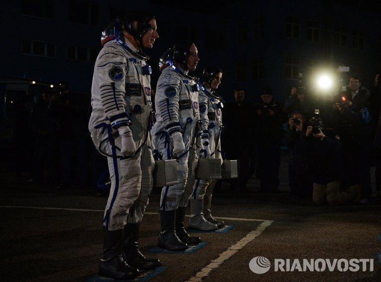 Члены основного экипажа 42/43-й экспедиции на МКС