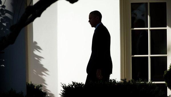 Президент США Барак Обама возле Белого дома. Архивное фото