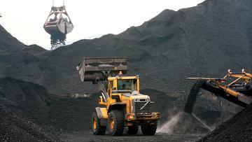 Погрузка угля. Архивное фото