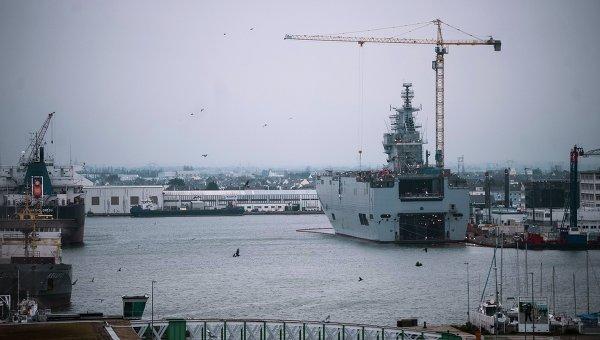 Десантный корабль Севастополь типа Мистраль. Архивное фото