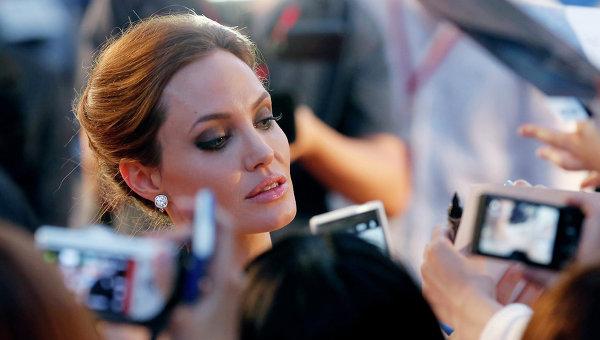 Анджелина Джоли, Архивное фото