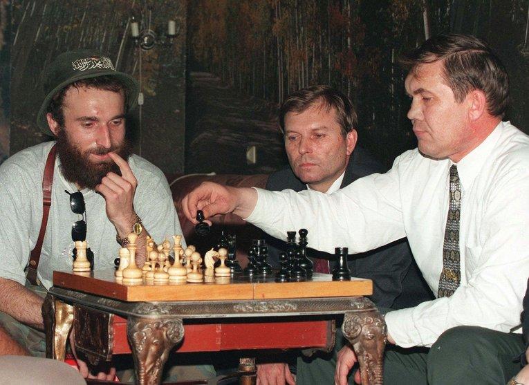 Image result for Генерал Лебедь с чеченскими командирами