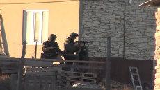 Силовики обстреляли дом с боевиками во время спецоперации в Дагестане