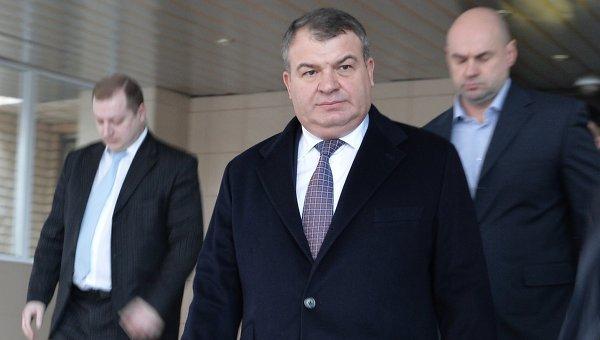 Бывший министр обороны Анатолий Сердюков у Пресненского суда