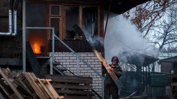 Последствия обстрела Донецка украинскими силовиками.