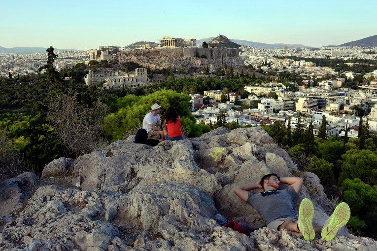 Вид на Афины с холма