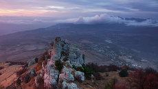 Вид на гору Демерджи в Крыму. Архивное фото
