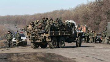 Вывод войск украинской армии из Дебальцево. Донецкая область, 18 февраля 2015.Архивное фото.