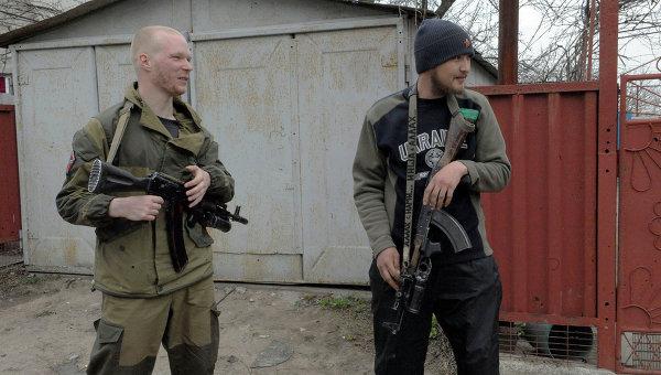 Ополченцы ДНР в деревне Широкино. Архивное фото