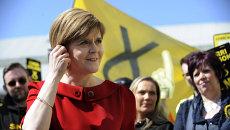Первый министр Шотландии, а также лидер Шотландской национальной партии Никола Стерджен. Архивное фото