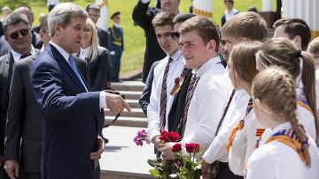 Госсекретарь США Джон Керри в Сочи. 12 мая 2015 год