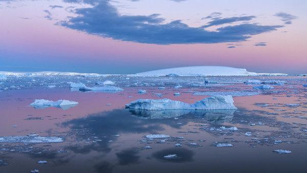 Море Уэдделла у берегов Антарктиды. Архивное фото