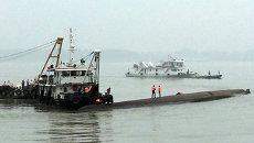 Спасательная операция на месте крушения судна Восточная звезда в Китае