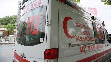 Скорая помощь на улице Стамбула. Архивное фото